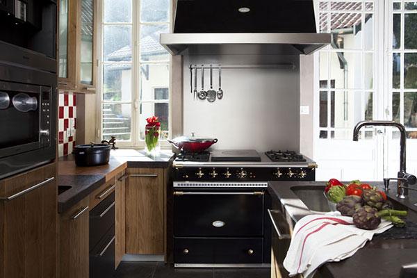 Cuisine, piano de cuisson Lacanche noir